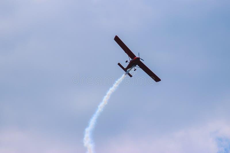 Aviões durante a aviação do voo foto de stock royalty free