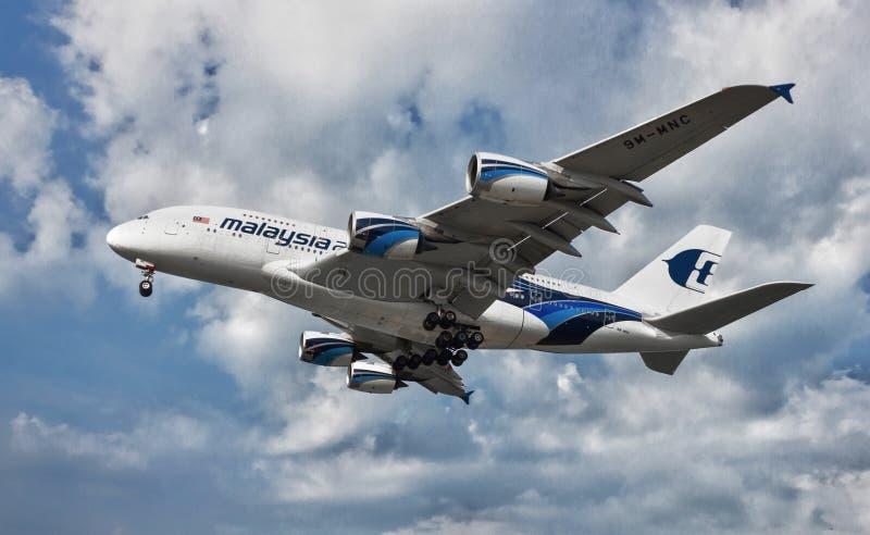 Aviões grandes do ônibus do ar foto de stock royalty free