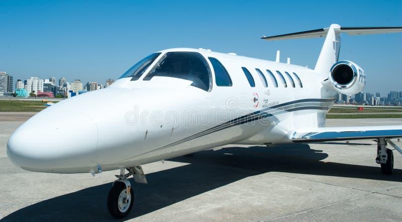 Aviação e jatos executivos da turbina do elevado desempenho dos aviões imagens de stock