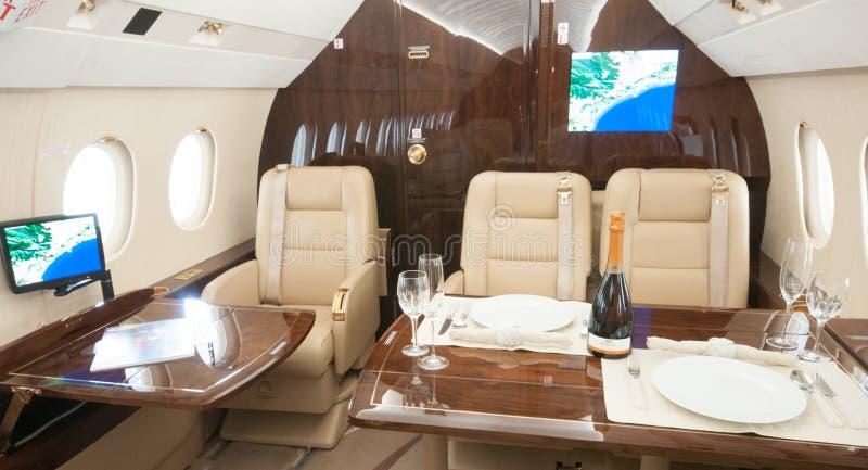 Aviação e jatos executivos da turbina do elevado desempenho dos aviões imagens de stock royalty free