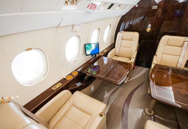 Aviação e jatos executivos da turbina do elevado desempenho dos aviões foto de stock