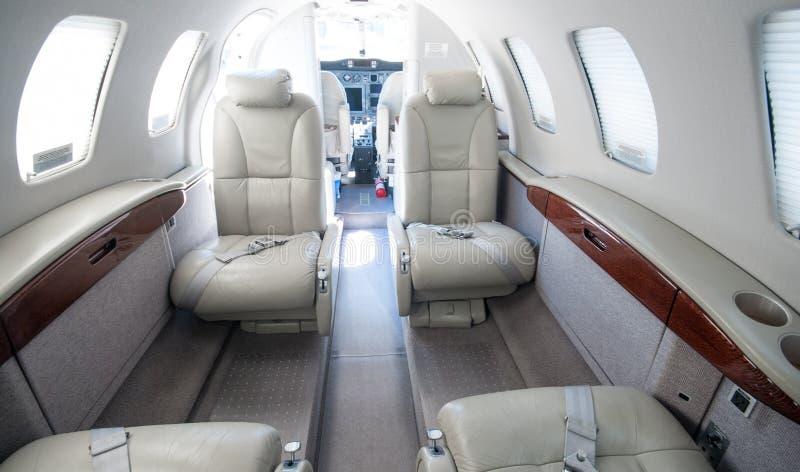 Aviación y jets ejecutivos de la turbina del alto rendimiento de los aeroplanos imagen de archivo libre de regalías