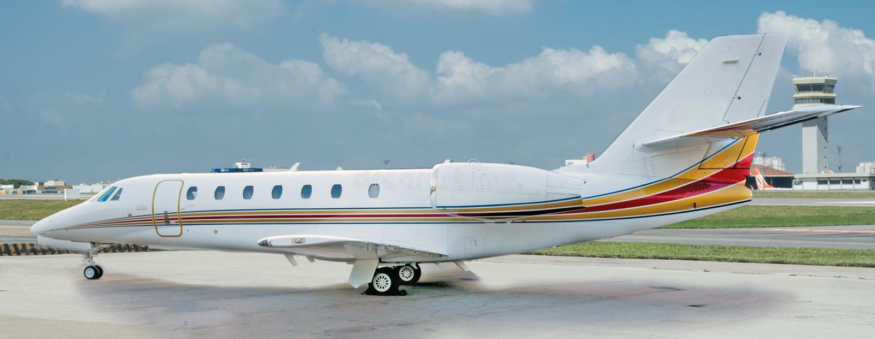 Aviación y jets ejecutivos de la turbina del alto rendimiento de los aeroplanos fotografía de archivo