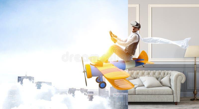 Aviador en el aeroplano retro T?cnicas mixtas fotografía de archivo