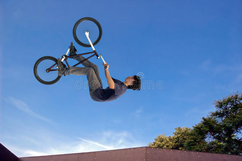 aviateur de bmx haut photo stock