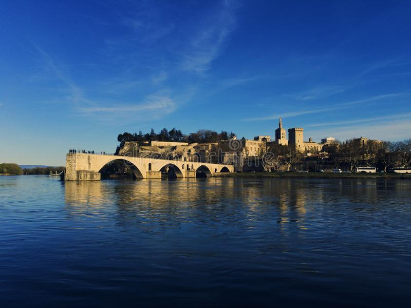 Avignon Bridge and Pope Palace royalty-vrije stock afbeelding