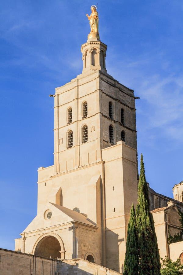 Avignon - le DES de dames de Notre couvre d'un dôme l'église image libre de droits