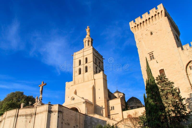 Avignon - le DES de dames de Notre couvre d'un dôme l'église, prouvée image libre de droits
