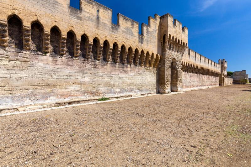 avignon Le vieux mur de forteresse autour de la ville images stock