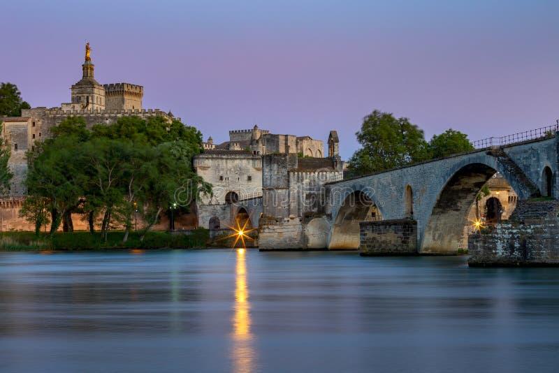 avignon Ponte de St Benezet sobre o Rhone River imagem de stock royalty free