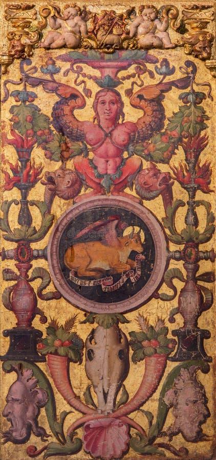 AVILA, HISZPANIA: Plateresque dekoracyjny drzwi w zakrystii Catedral De Cristo Salvador z symbolicznym Luke ewangelista fotografia royalty free