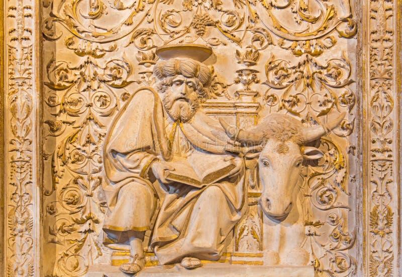 AVILA, SPANJE, APRIL - 18, 2016: De hulp van St Luke de Evangelist in Girola van Catedral DE Cristo Salvador royalty-vrije stock foto's