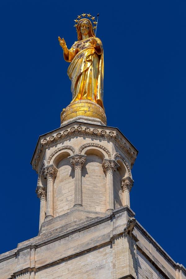 avila Złota rzeźba dziewica na dzwonkowy wierza popes pałac obraz royalty free