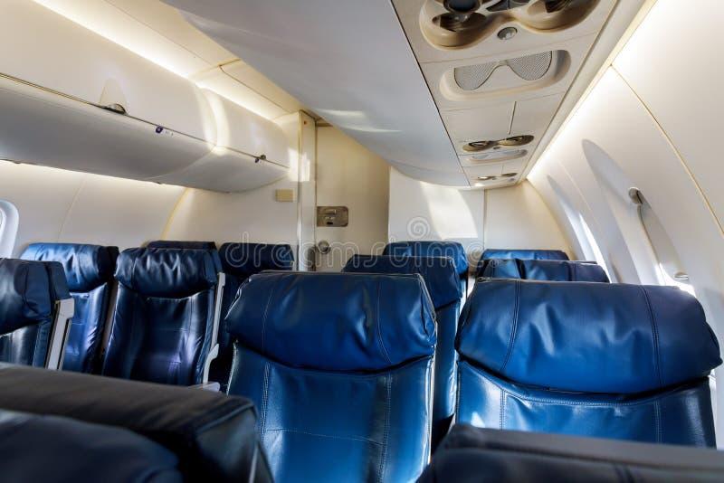 Avion à l'intérieur du vol intérieur d'avion de ligne de passager image stock
