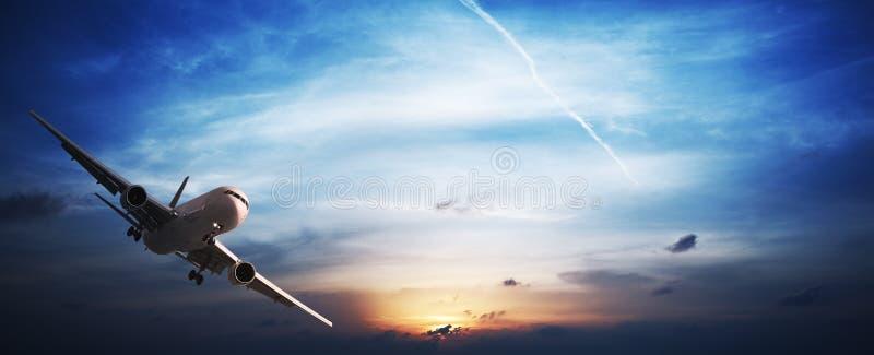 Avion à réaction en vol image libre de droits