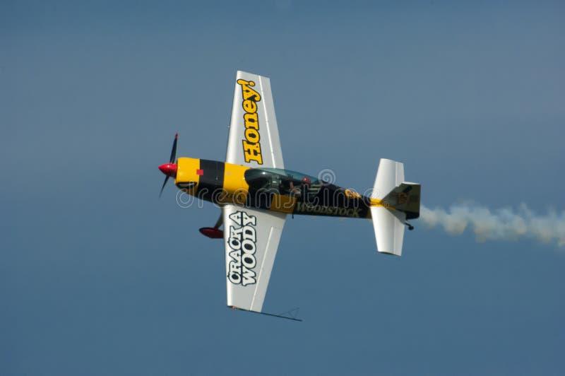 Avion acrobatique aérien photographie stock libre de droits