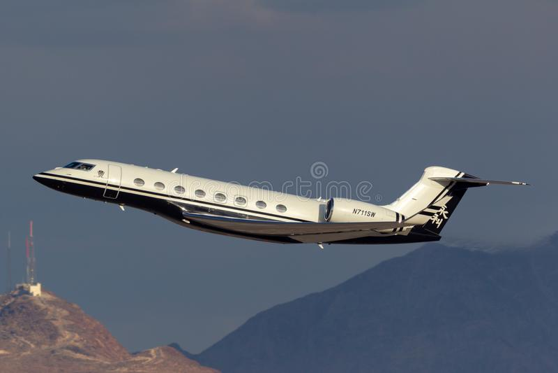 Avion d'affaires de luxe de long terme de Gulfstream G650 possédé par l'aéroport international de départ Las Vegas de Steve Wynn  photo libre de droits