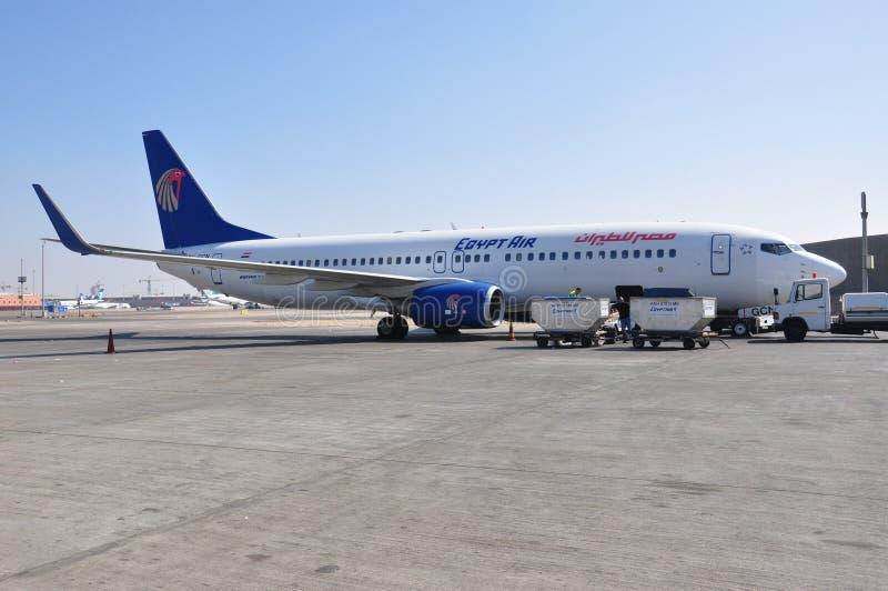 Avion d'air de l'Egypte dans l'aéroport images libres de droits
