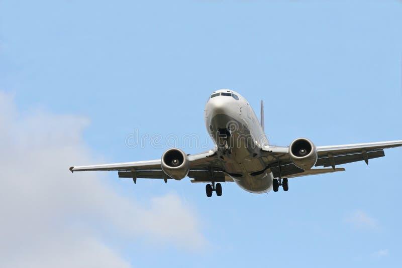 Avion d'atterrissage image stock