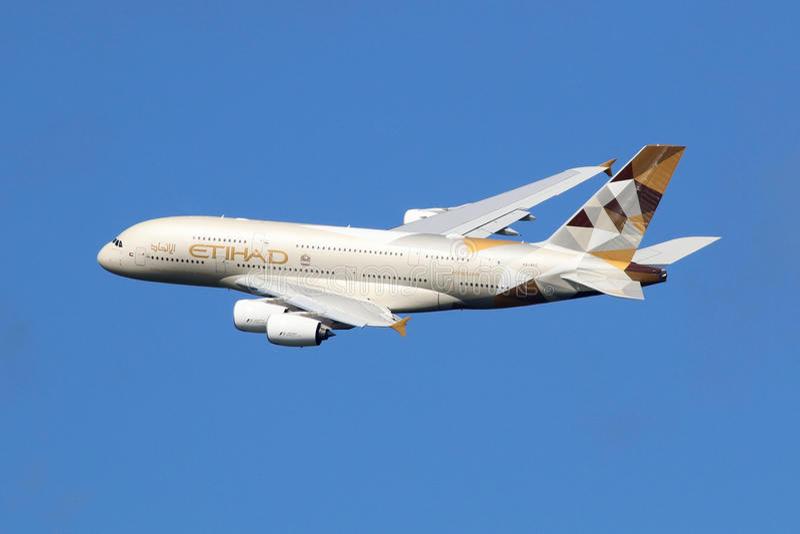Avion d'Etihad Airways Airbus A380 image libre de droits