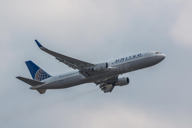 Avion d'United Airlines images stock