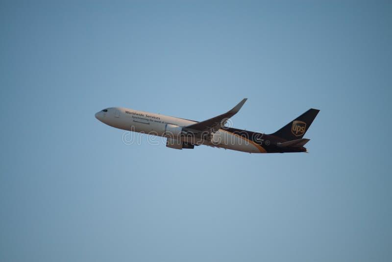 Avion d'UPS photos libres de droits