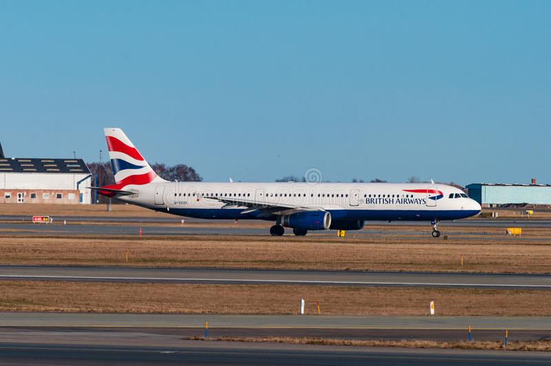 Avion de British airways Airbus A321 dans l'aéroport de Copenhague image libre de droits