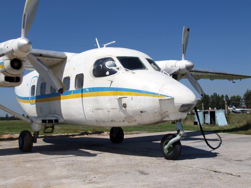 Avion de charge An-28 léger images libres de droits