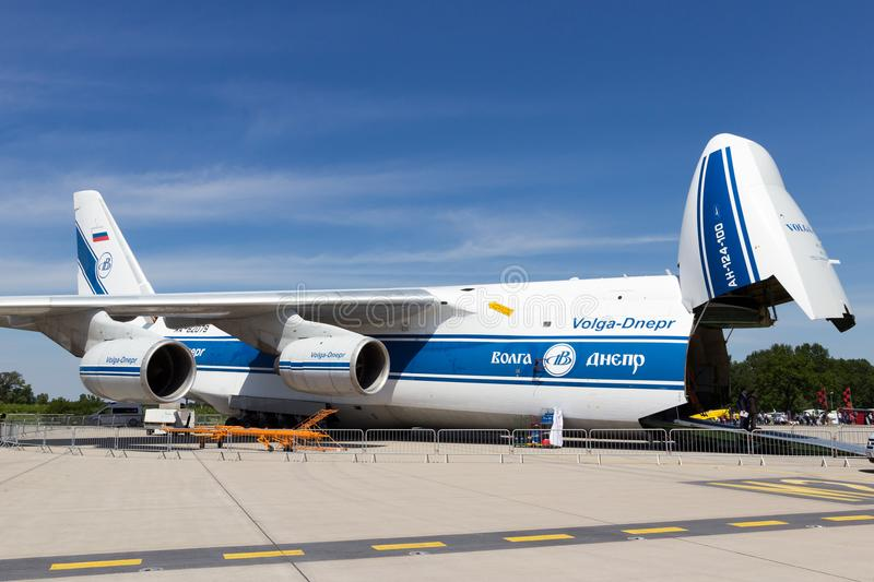 Avion de charge d'Antonov 124 photos libres de droits