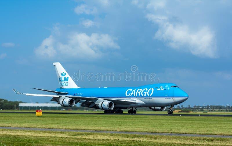 Avion de charge de KLM Air France Boeing 747 à l'aéroport d'Amsterdam Schiphol photo stock