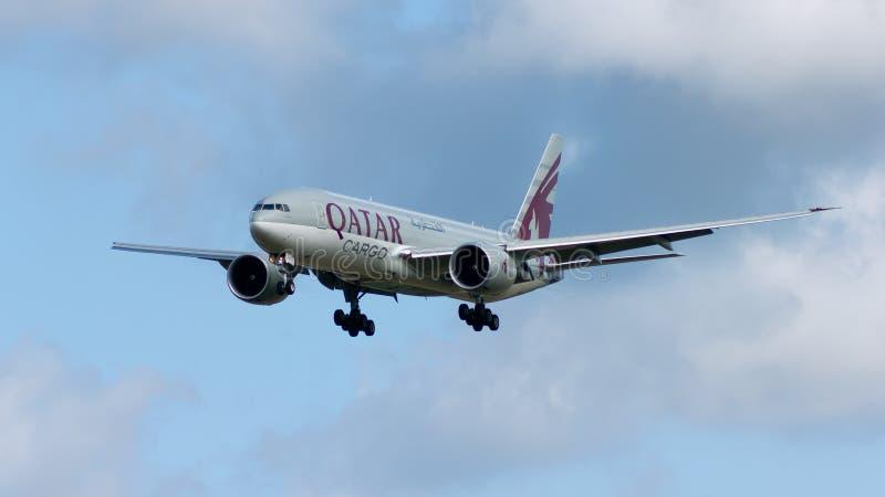 Avion de charge du Qatar image libre de droits