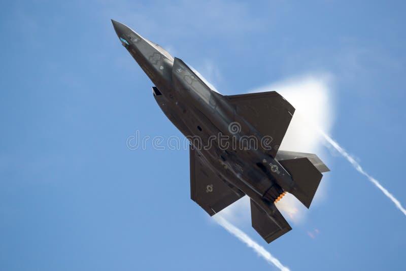Avion de chasse de l'U.S. Air Force F-35 images libres de droits