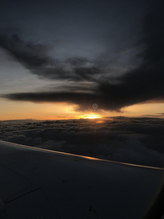Avion de coucher du soleil photos libres de droits