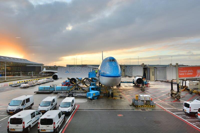 Avion de KLM à l'aéroport de Schiphol amsterdam netherlands photo stock