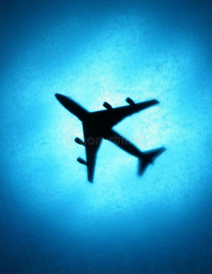 Avion de passagers dans le ciel photos libres de droits