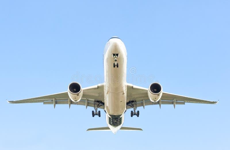 Avion de passagers en vol photos libres de droits