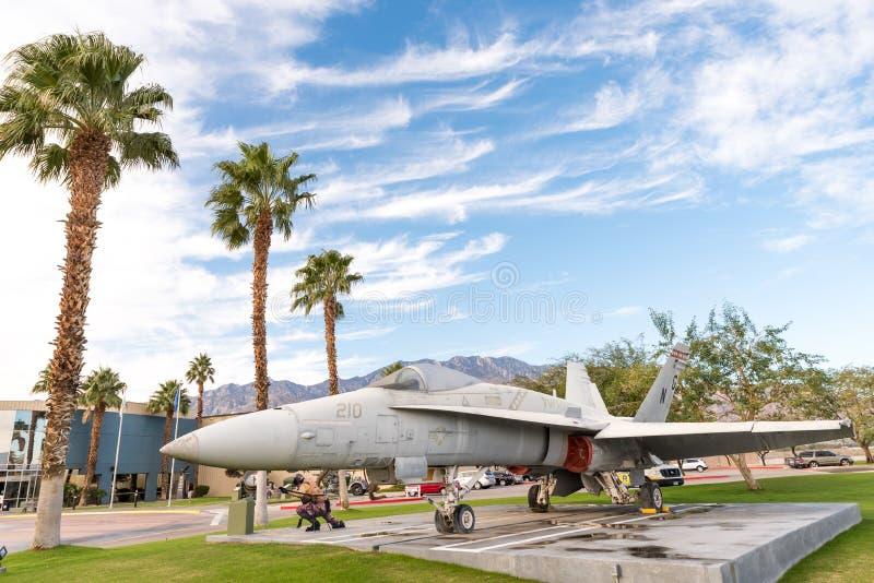 Avion devant le musée d'air de Palm Springs photos libres de droits