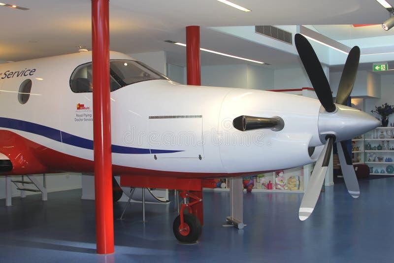 Avion du docteur royal Service, Alice Springs, Australie de vol image stock