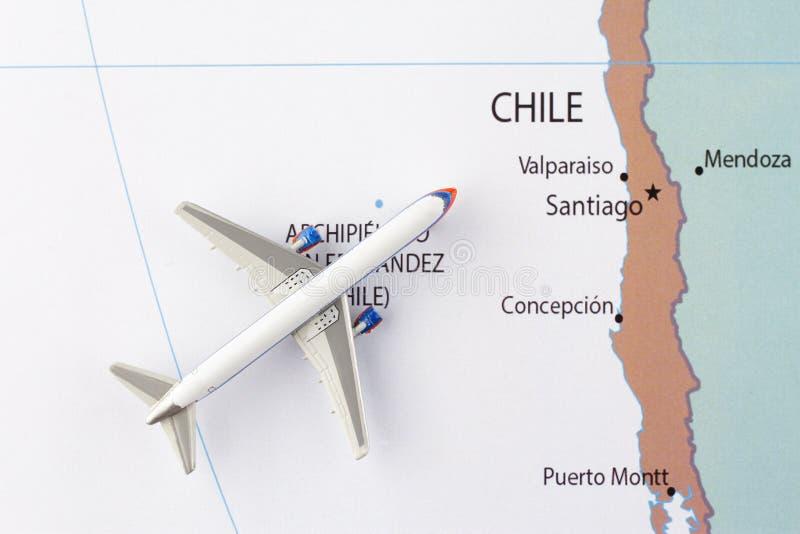 Avion sur la carte photographie stock libre de droits