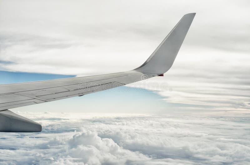 Avion Wing Above The Clouds 2 image libre de droits