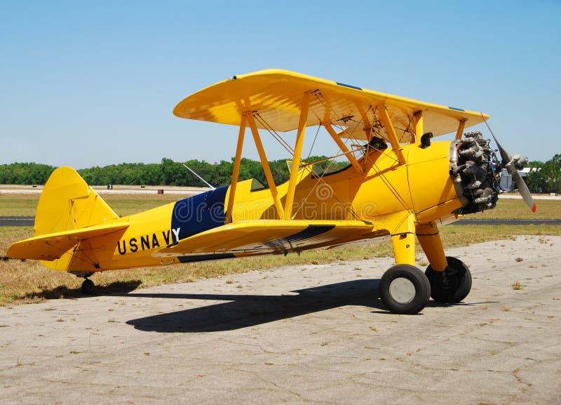 Aviones amarillos clásicos imágenes de archivo libres de regalías