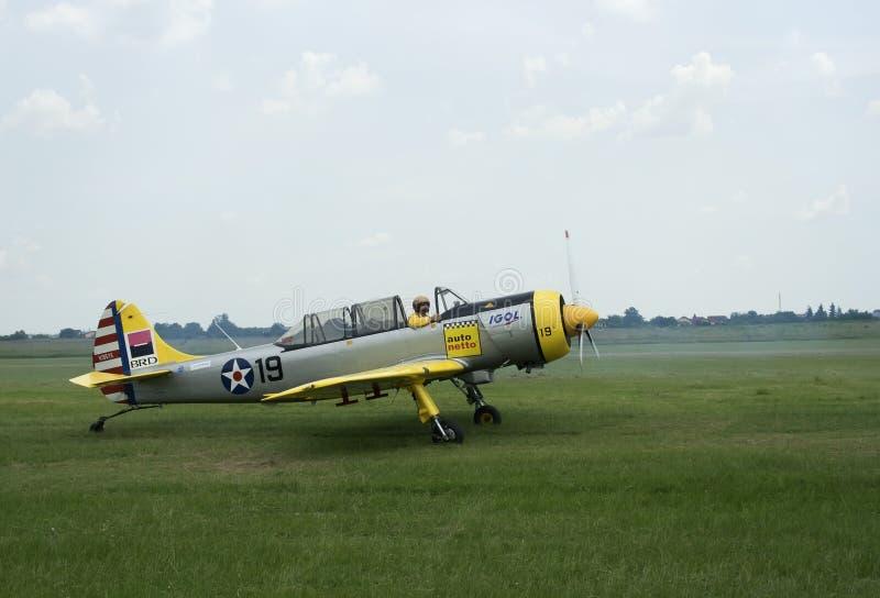 Aviones amarillos, sin procesar fotos de archivo libres de regalías