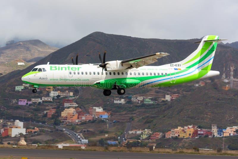 Aviones de Binter Canarias en Tenerife fotos de archivo libres de regalías