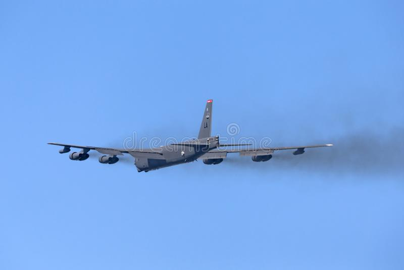 Aviones de bombardero estratégicos del U.S.A.F. Boeing B-52H Stratofortress de la fuerza aérea de Estados Unidos 61-0012 de la ba fotografía de archivo libre de regalías
