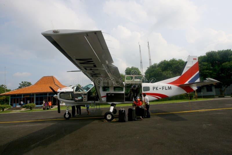 Download Aviones de carta foto editorial. Imagen de carta, turista - 42437226