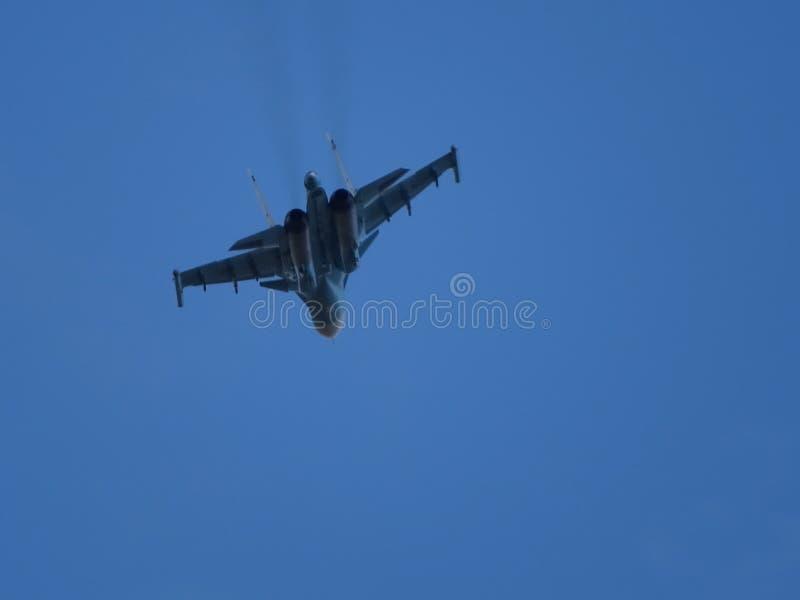 Aviones de combate Su-34 Vuelo del entrenamiento fotografía de archivo libre de regalías