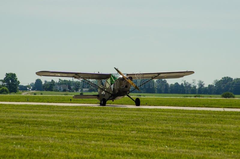Aviones de Ejército de los EE. UU. del saltamontes L2 fotografía de archivo libre de regalías