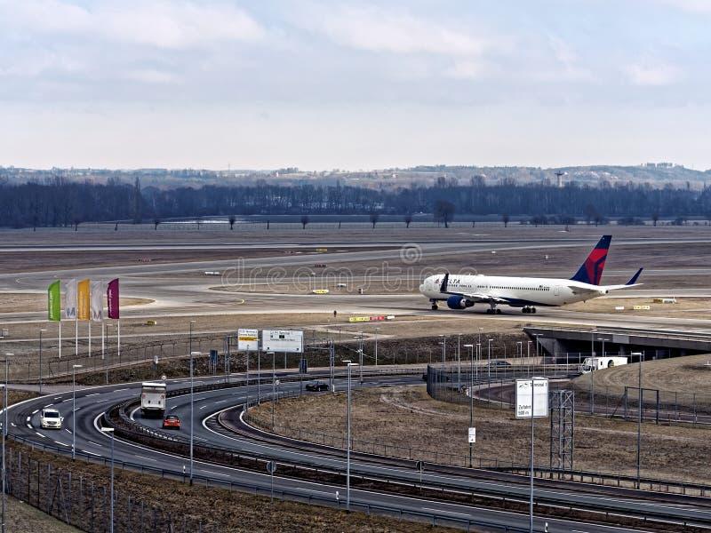 Aviones de Eurowings que salen del aeropuerto Munich fotos de archivo libres de regalías
