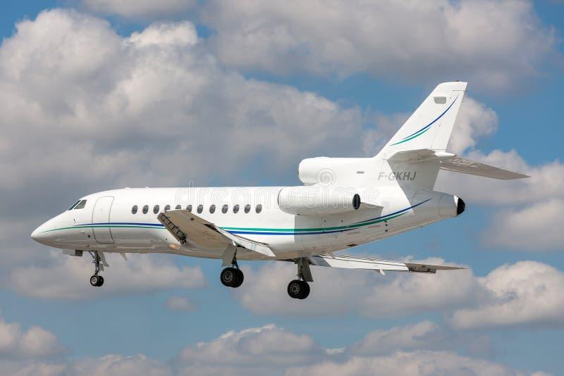 Aviones de negocio del halcón 900 de Dassault F-GKHJ foto de archivo
