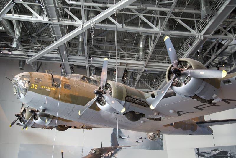 Aviones en el museo nacional New Orleans los E.E.U.U. de WWII foto de archivo libre de regalías